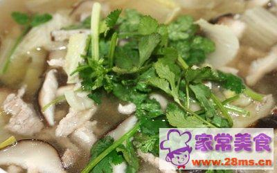 金针香菜肉片汤