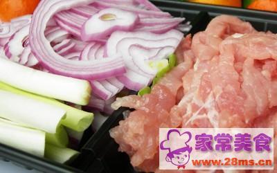 洋葱炒瘦肉片